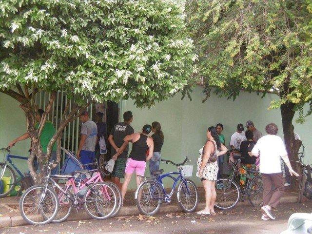 Menschen vor der Tür von Sr. Maria Ludwigis